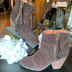 Lucky Brand leather suede bootie